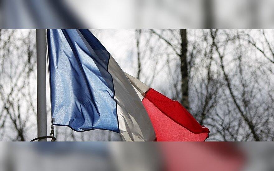 Prancūzijos vyriausybė kol kas neplanuoja dėl protestų skelbti nepaprastosios padėties
