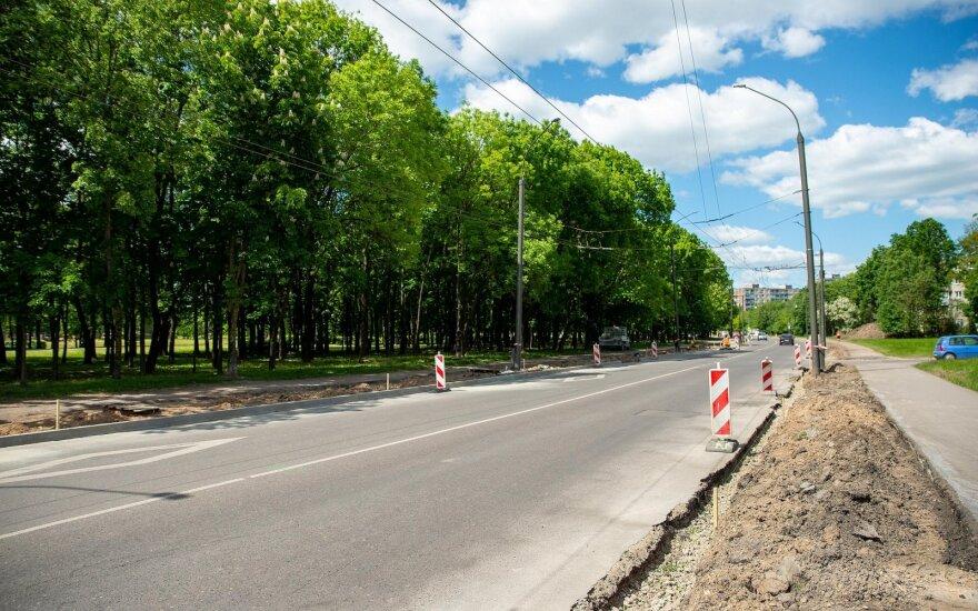 Kaune prasidėjo svarbios arterijos rekonstrukcija: įrengs atskirą dviračių taką ir poilsio aikšteles