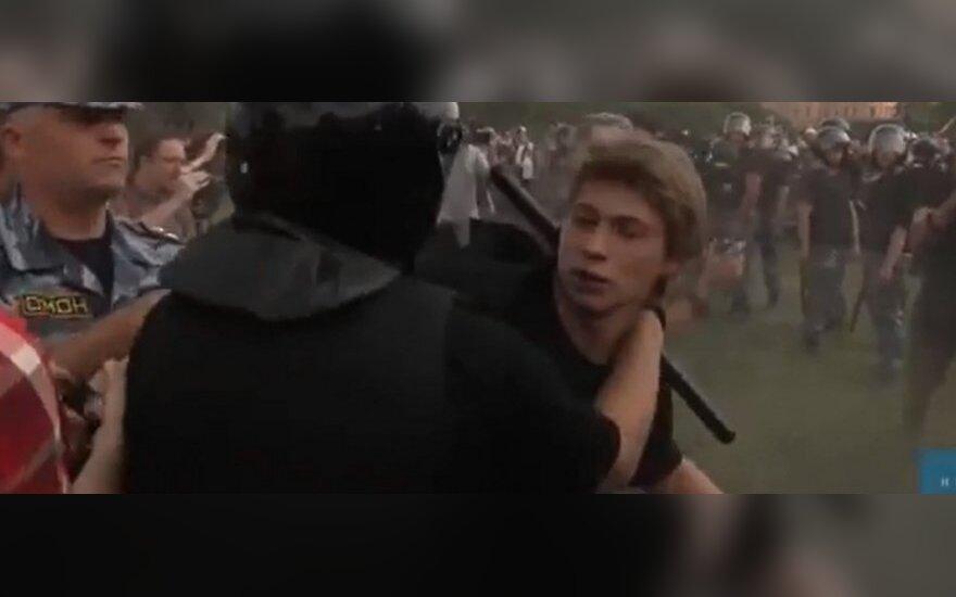 Įsisiautėjo prieš gėjus smurtaujantys rusai