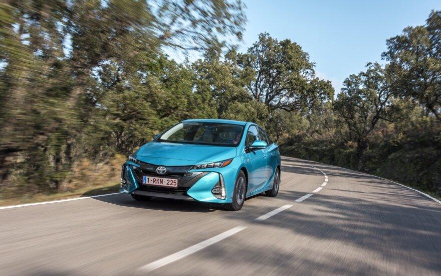"""Toyota Prius Plug-in Hybrid"""