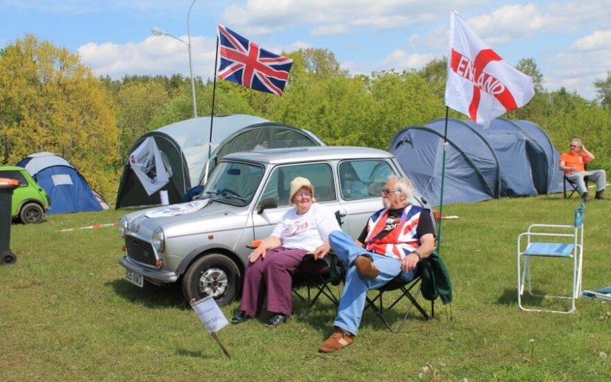 Mini automobilių gerbėjų festivalis Zaraso saloje