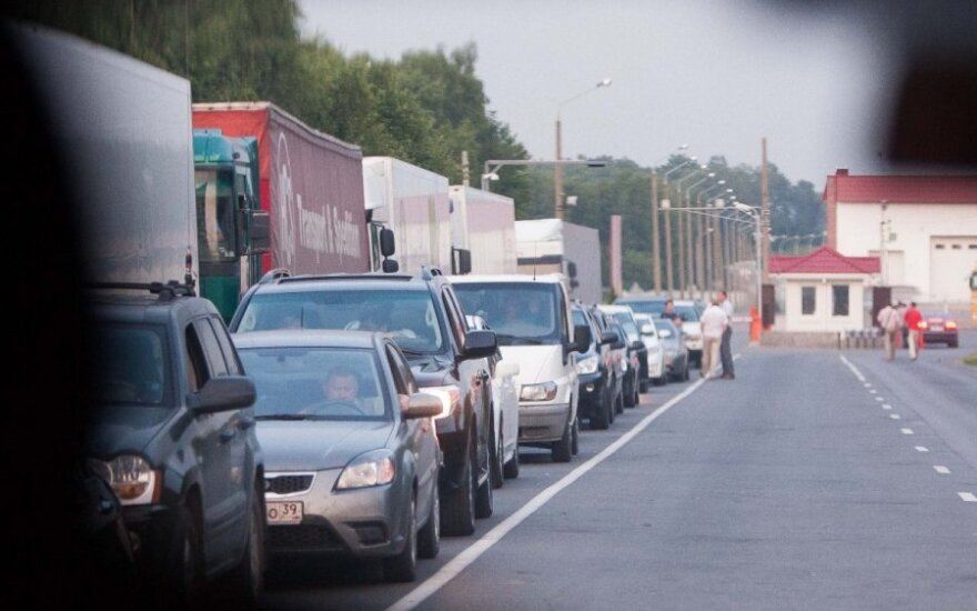 Queues formed at Lithuanian border Thursday due to database failure