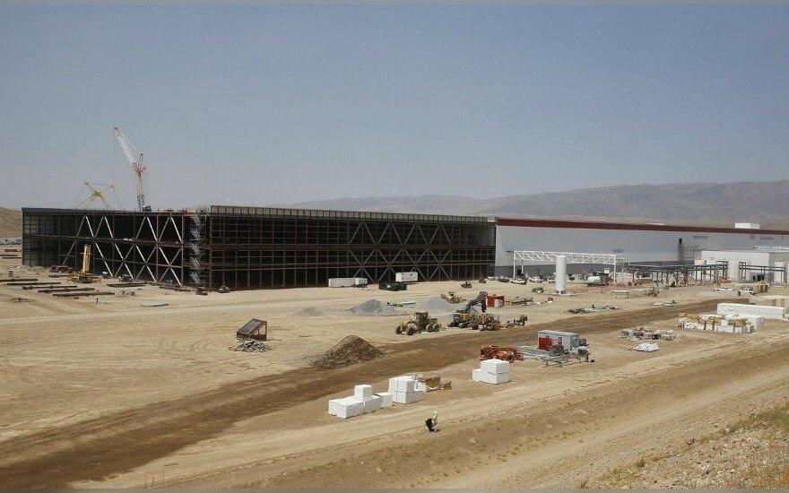 """""""Gigafactory"""" gamyklos statytos darbai"""