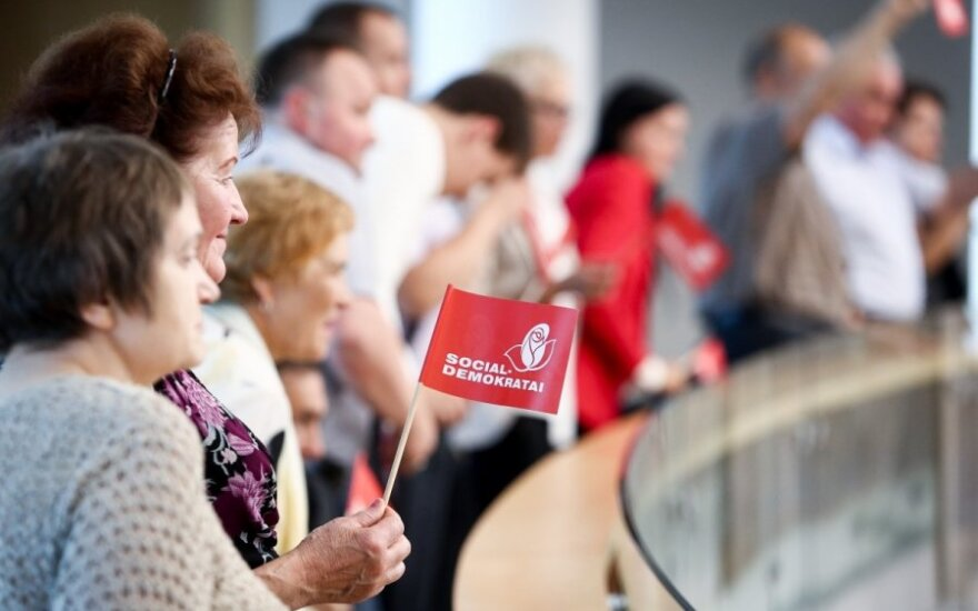 Lithuania's Social Democrats lose popularity but retain lead in opinion polls