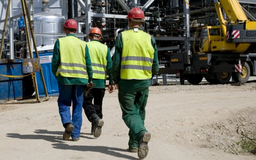 Panika vienoje Lietuvos įmonių: beveik pusė tūkstančio darbuotojų lieka bedarbiais