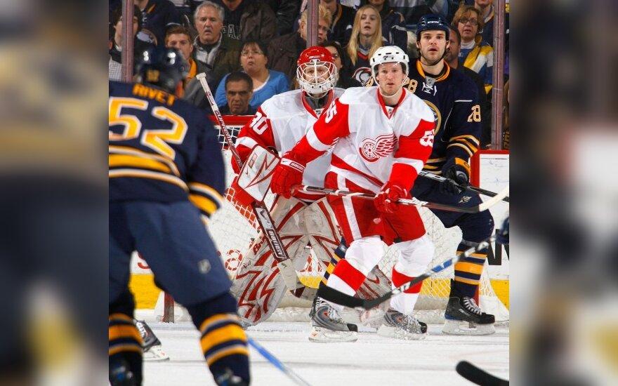 """""""Red Wings"""" NHL pirmenybėse iškovojo dar vieną pergalę"""