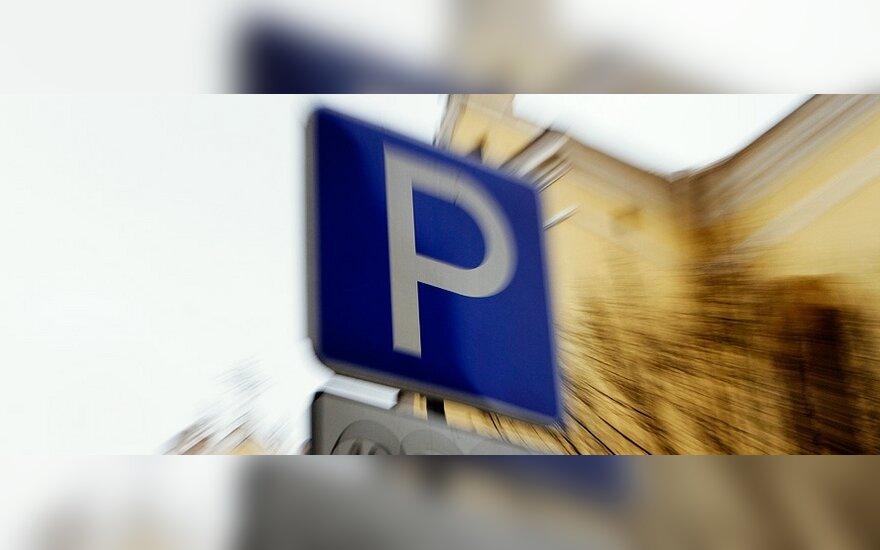 Apmokestino dar vieną automobilių stovėjimo aikštelę