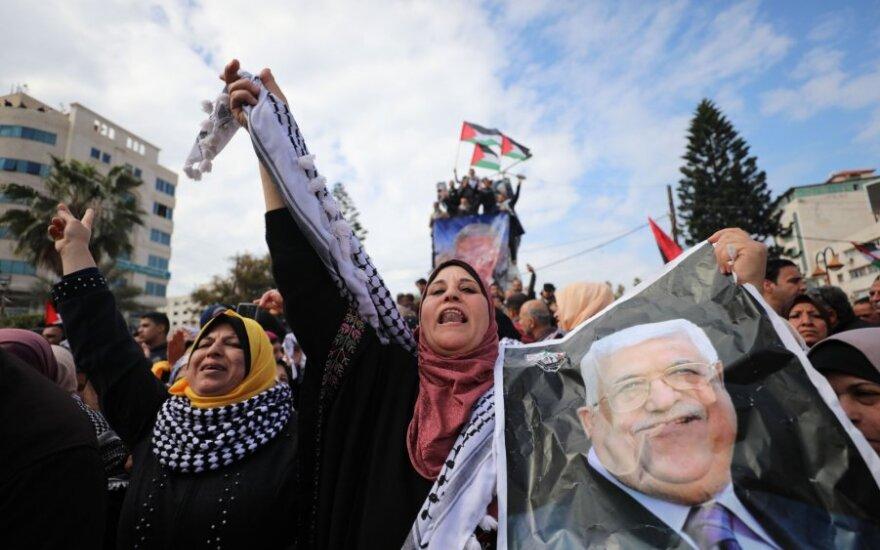 Tūkstančiai palestiniečių surengė demonstracijas prieš Trumpo taikos planą