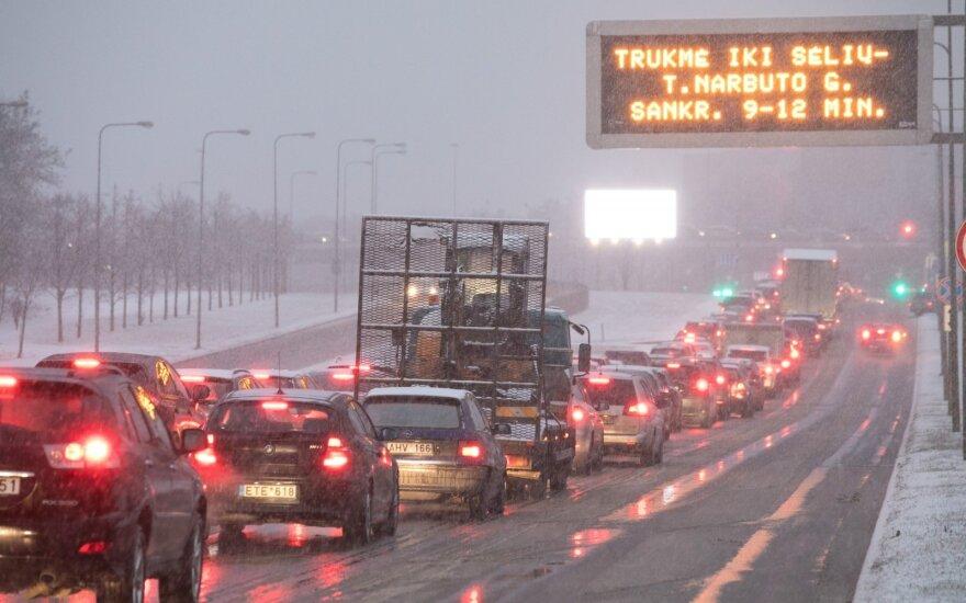 Automobilių eismas žiemą