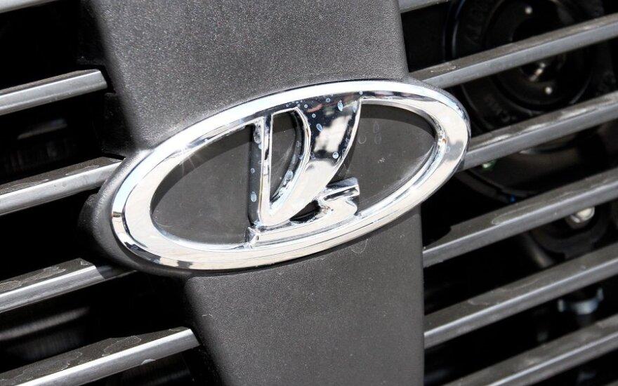 """""""AvtoVAZ"""" padidino visų modelių kainas, išskyrus """"Lada Granta"""""""