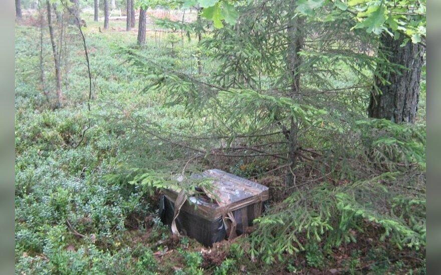 Po mišką klaidžiojęs studentas sugriovė kontrabandininkų planus
