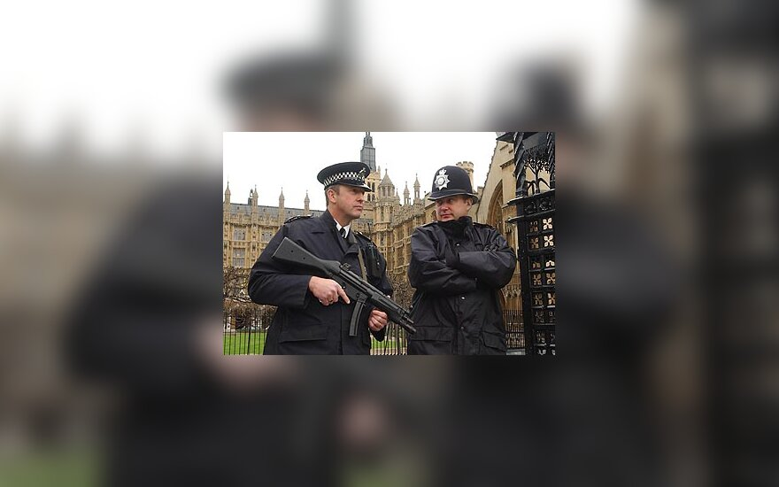 Londonas, D.Britanijos parlamentas, D. Britanijos policija