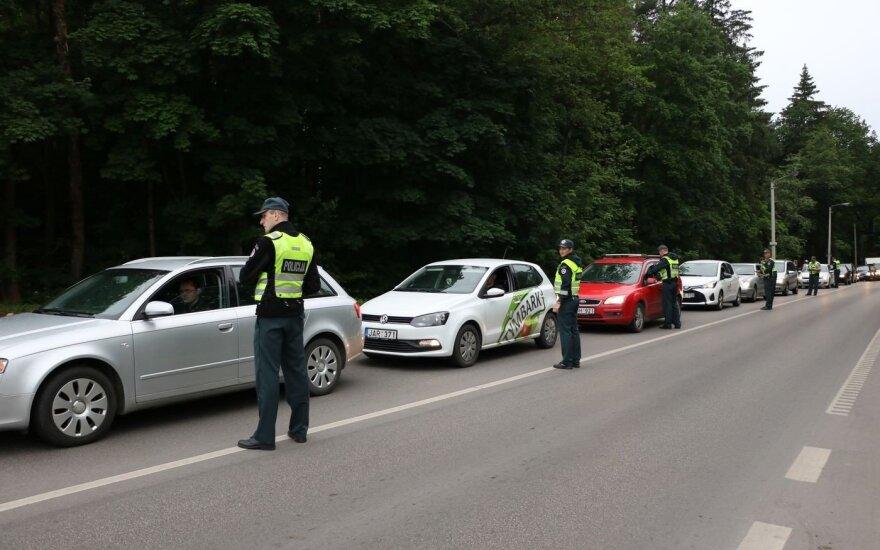 Per savaitgalį policininkai Kauno apskrityje patikrino pusantro tūkstančio vairuotojų