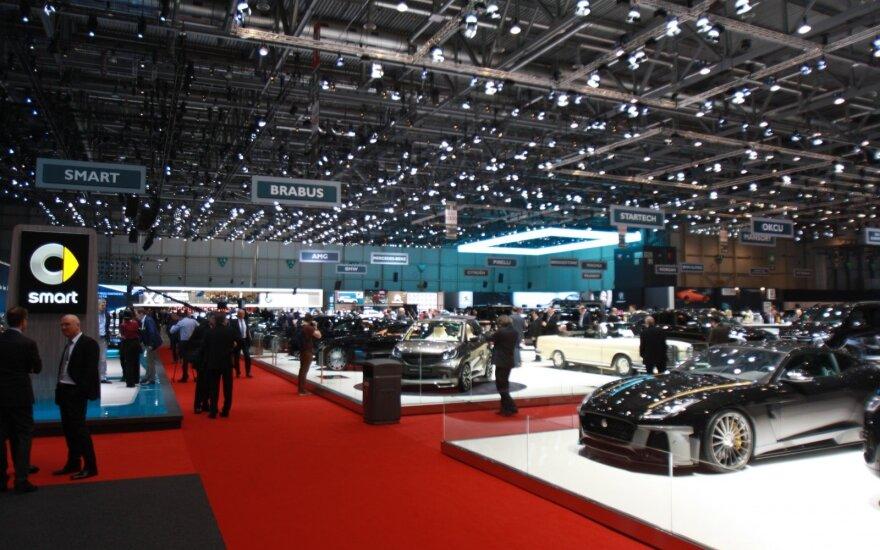 Ženevos automobilių paroda – DELFI skaitytojų akims