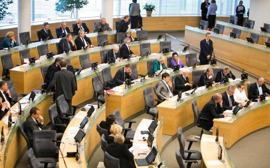 Seimo nariai parlamentinėms išlaidoms tūkstančių negailėjo: nepanaudojo tik vienas
