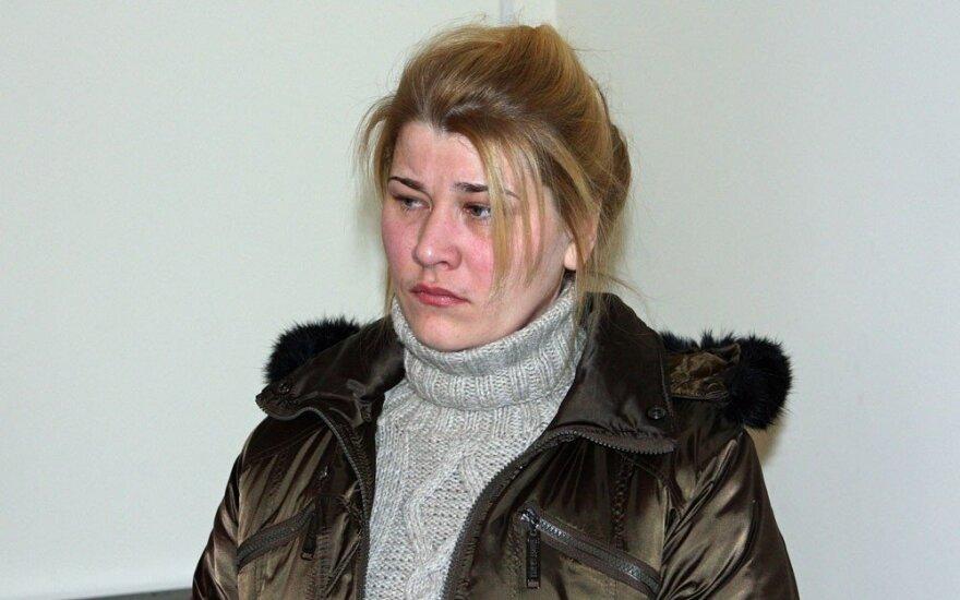 Savo vaikus pasmaugusiai Bružaitei – teismo smūgis: nuteistosios skundas atmestas