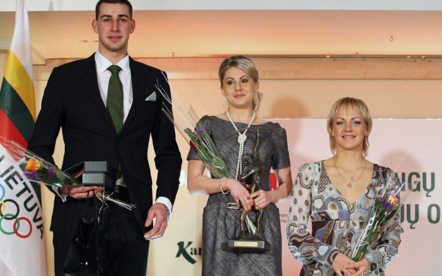 Jonas Valančiūnas, Laura Asadauskaitė ir Simona Krupeckaitė