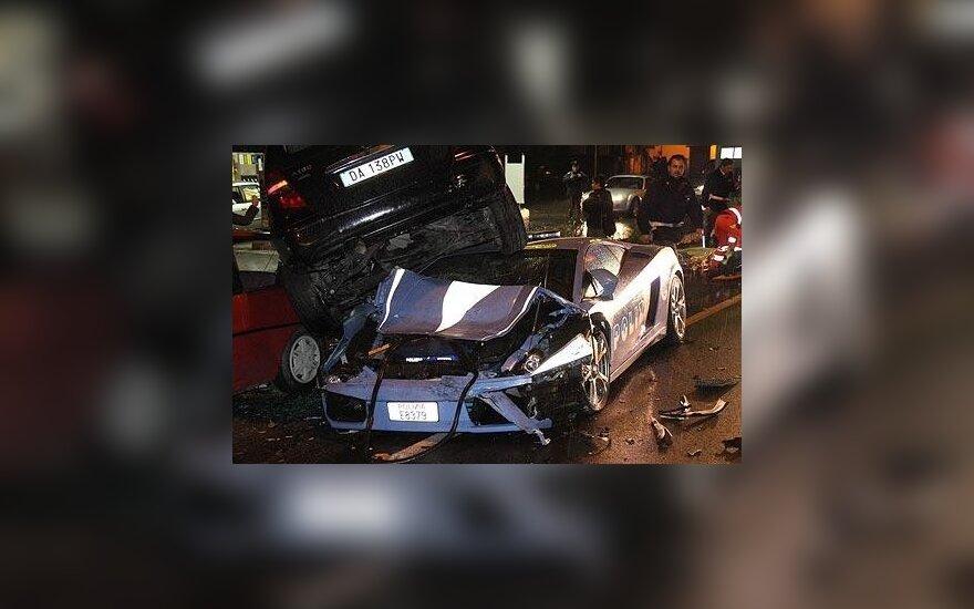"Sudaužytas ""Lamborghini Gallardo"". EPA nuotr."