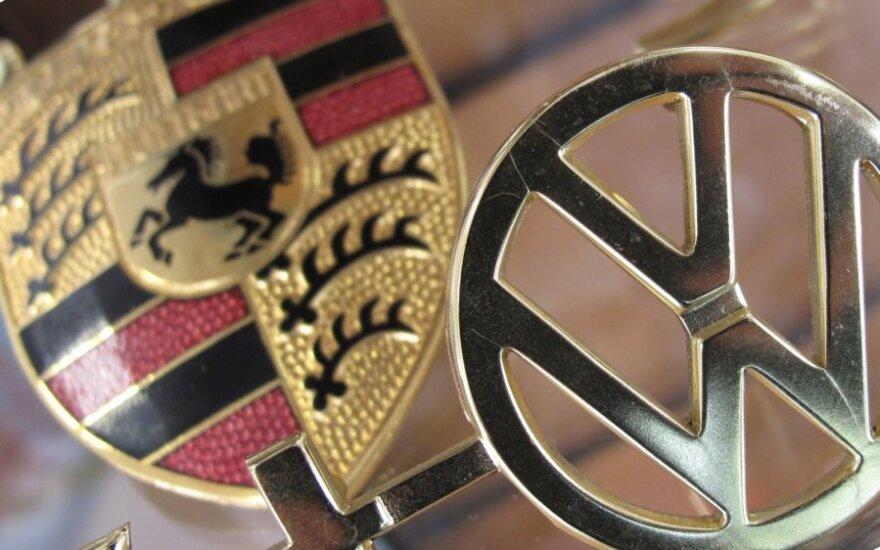 """""""Porsche"""" stebėtojų taryba įtariama """"Volkswagen"""" akcijų machinacijomis"""