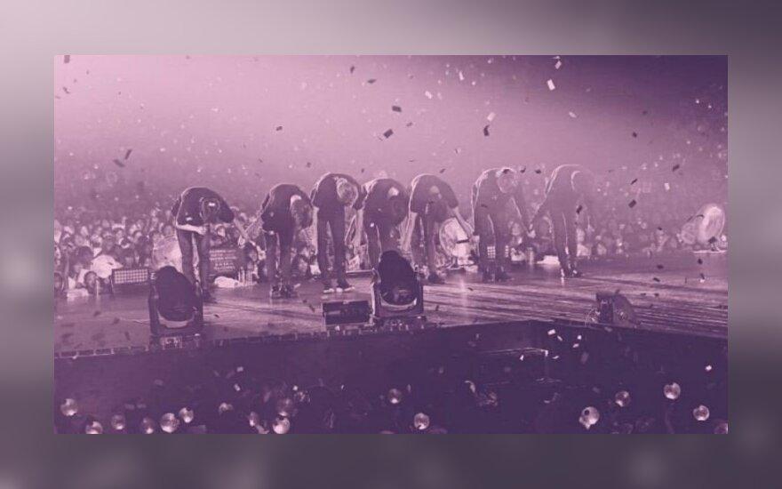 """Grupė BTS, kadras iš filmo """"Burn the stage"""""""