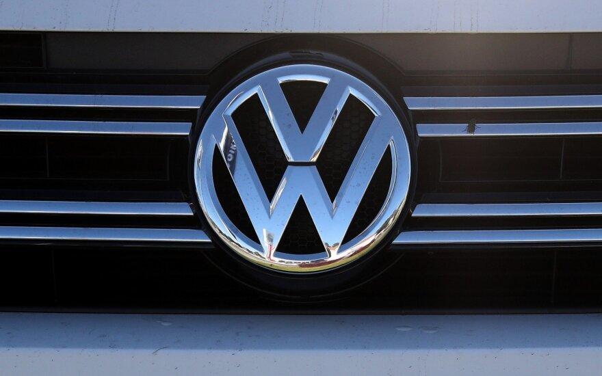 """""""Volkswagen"""" darbuotojai išsiderėjo didelį atlyginimų padidinimą"""
