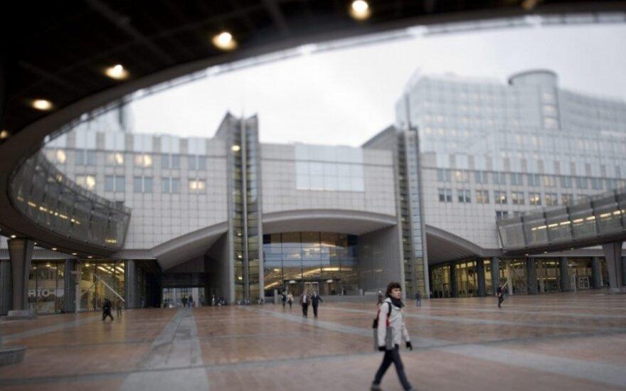 Pyktis dėl išlaidavimo: naujiems EP pastatams – rekordinė suma