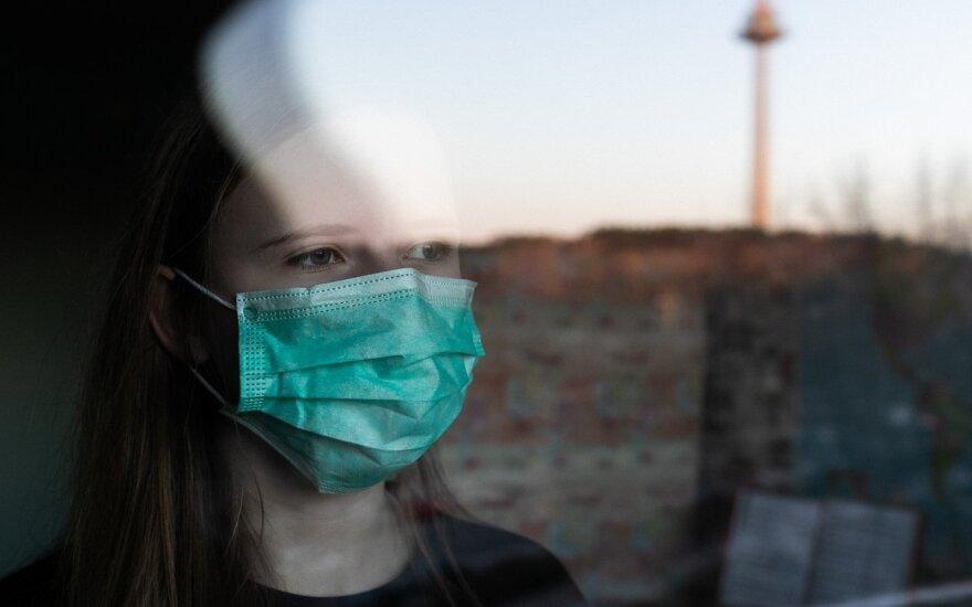 Įsigalioja nauja Verygos rekomendacija: riboti parduodamų kaukių ir dezinfekcinio skysčio kiekį