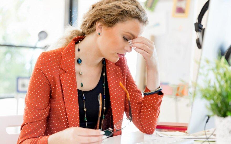 Nuolat juntamas nuovargis, miego sutrikimai, energijos trūkumas – svarbaus mineralo trūkumo požymiai