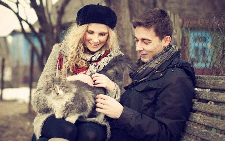 Pliusas traukia minusą: renkantis partnerį niekada nesužavės į mus panašus žmogus