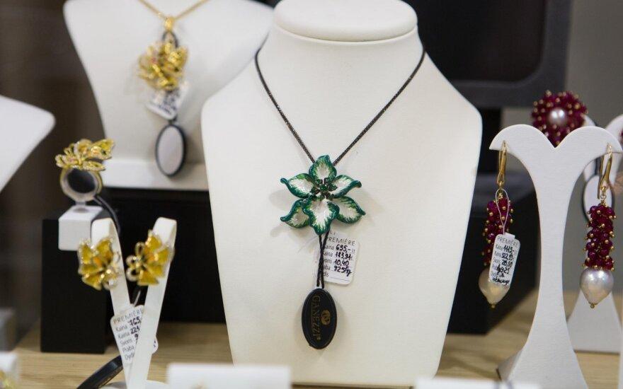 Vilniuje pristatyta prabangi juvelyrikos kolekcija su briliantais