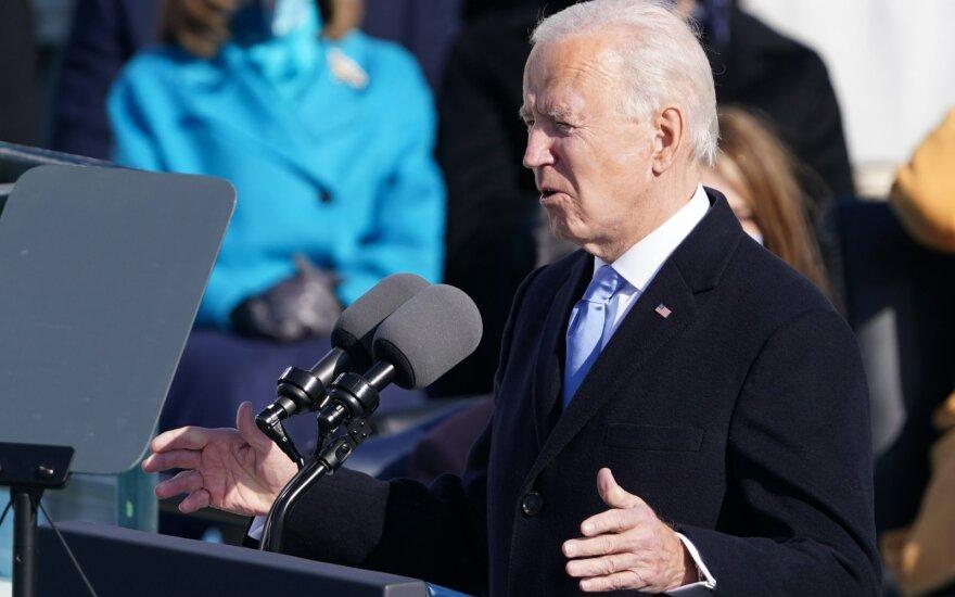 J. Bideno administracija persvarstys susitarimą su Talibanu dėl JAV pajėgų išvedimo