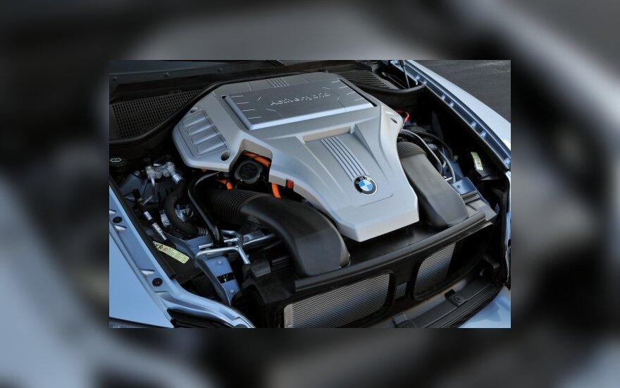 BMW kitąmet pradės 5 serijos hibrido gamybą