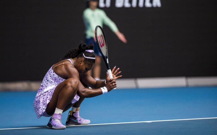 """Šokas """"Australian Open"""": kinė eliminavo į save nepanašią Sereną Williams, o 15-metė nukarūnavo čempionę"""