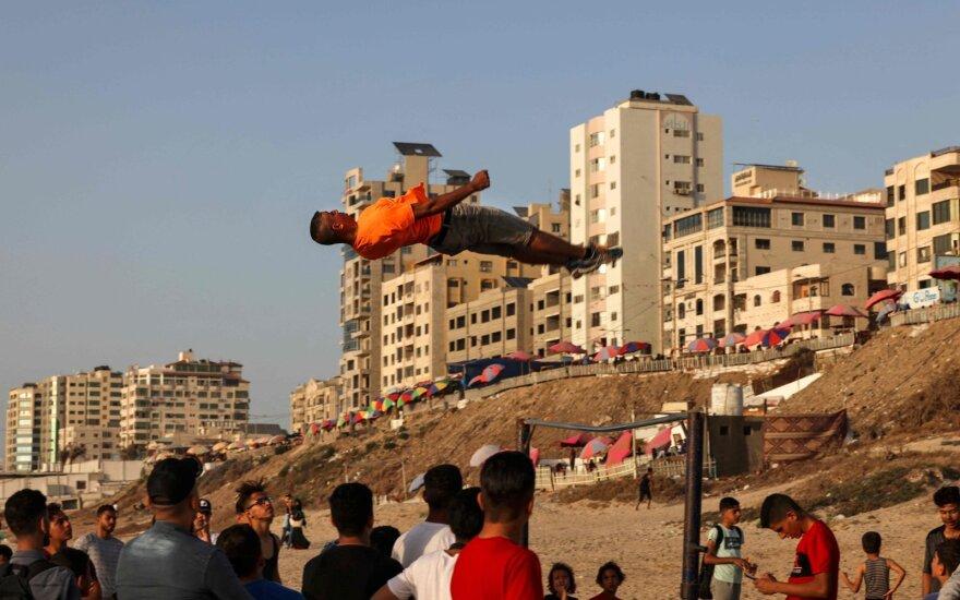 Stabdį spaudžia net Izraelis: įvedami nauji ribojimai