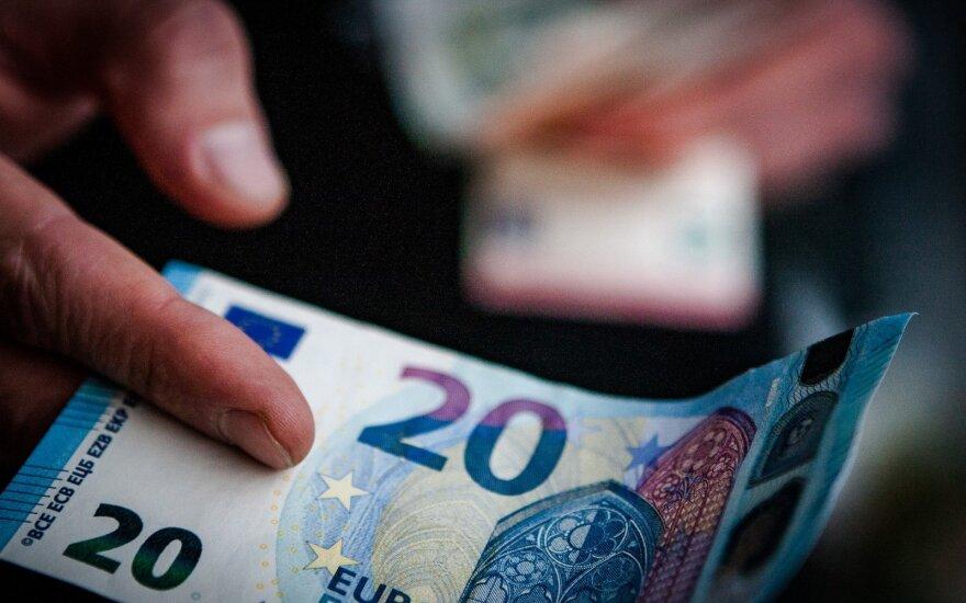Minimali alga 2020 metais galėtų būti 607 eurai