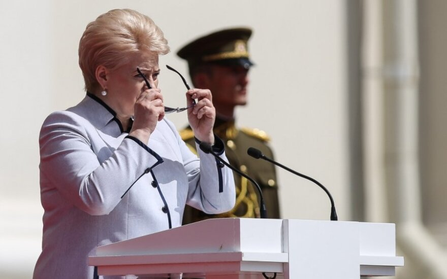 Grybauskaitė pledges to monitor defence spending closely