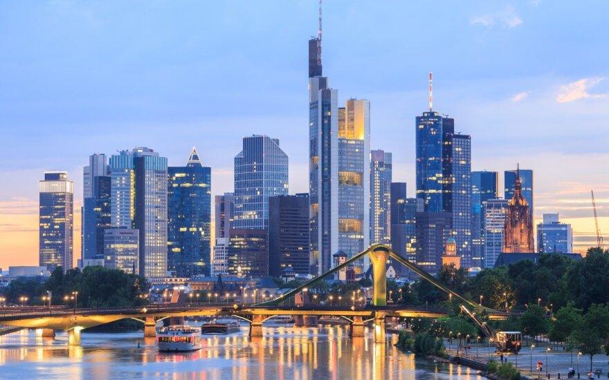 Vokietijos finansinė programėlės žinutė klientams: ne visi bankai – blogiukai