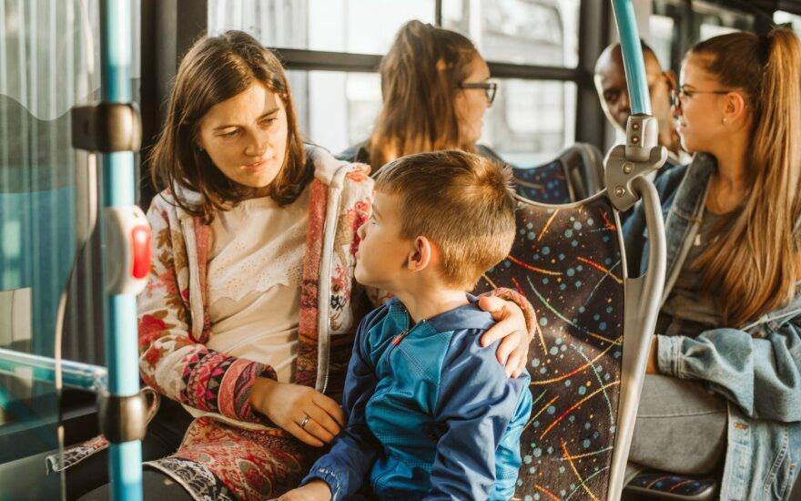 Vaikai autobuse