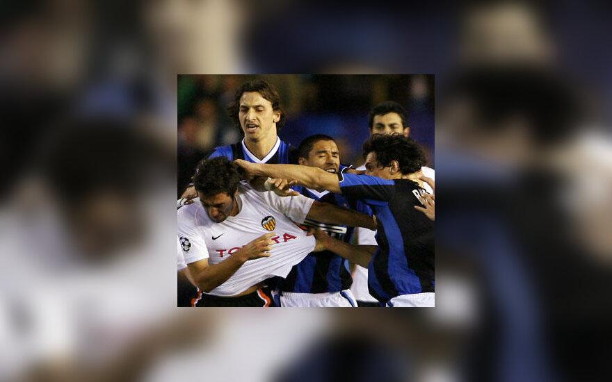 """""""Valencia"""" ir """"Inter"""" futbolininkų muštynės"""