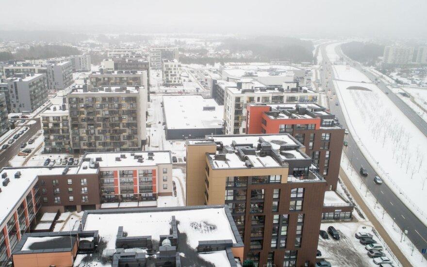 Lietuva seka JAV pėdomis? Laukinė NT rinka žmones veja į miesto pakraščius