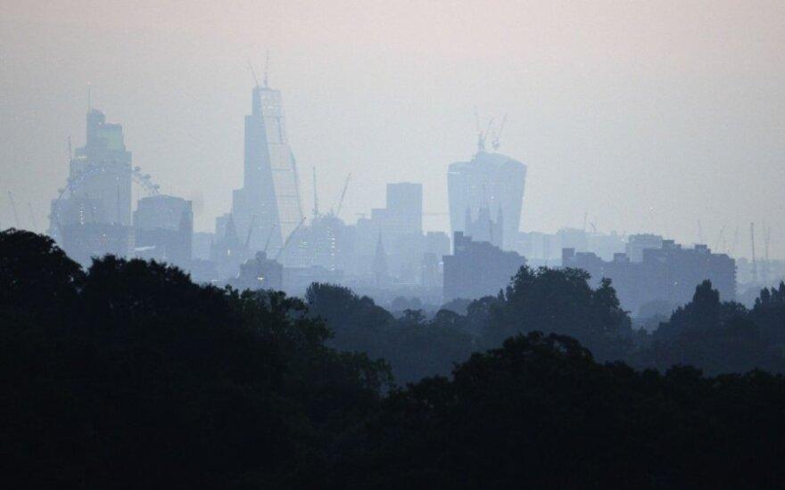 Tyrimas: ekonominis atotrūkis tarp Londono ir kitų Britanijos miestų didėja