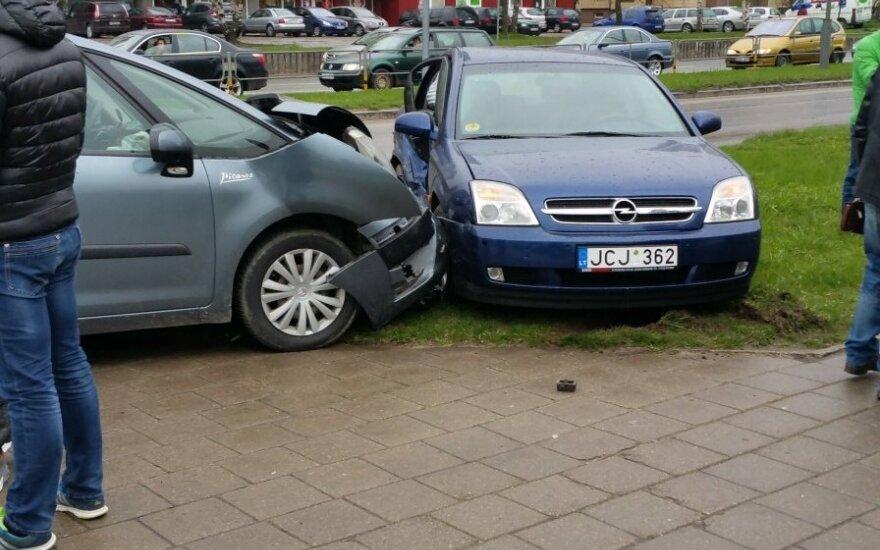 Panevėžyje susidūrė du automobiliai