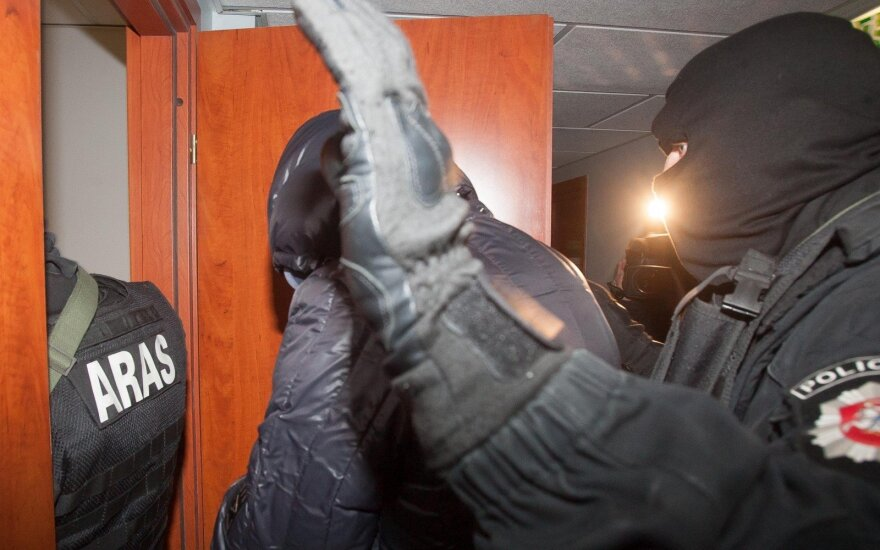 """""""Agurkinių"""" gaujos narys atsidūrė Švedijos kalėjime ir neteko beveik 29 tūkst. Eurų"""
