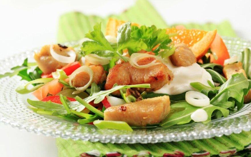 Apelsinų ir vištienos salotos