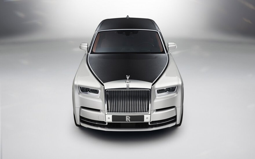 """Rolls-Royce Phantom"""