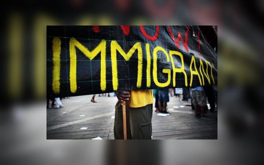 Jungtinėse Valstijose beveik pusė gyventojų pageidauja mažiau imigrantų