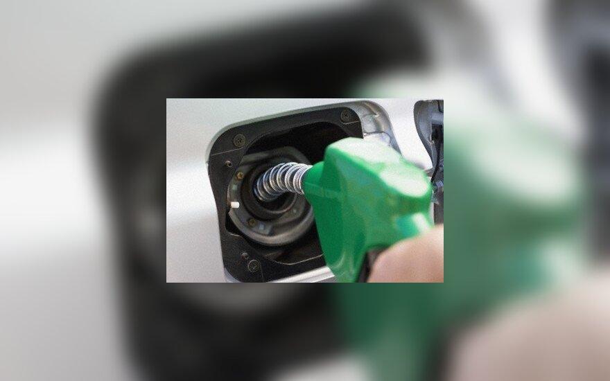 Dėl beprotiškų karščių Australijoje vairuotojai negali įsipilti benzino