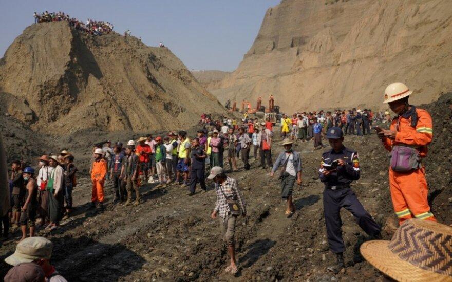 Mianmare per nuošliaužą nefrito kasykloje tikriausiai žuvo daugiau nei 50 žmonių