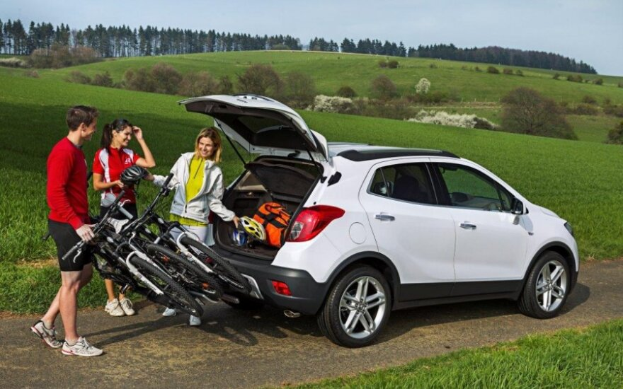 """""""Opel Mokka"""" turės integruotus dviračių laikiklius"""