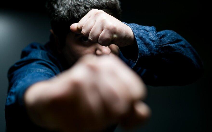 Smurtas prieš nepilnametį globos namuose: įtariamas įstaigos direktorius